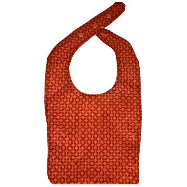 Babero hecho a mano con diseño de estampado rojo 2