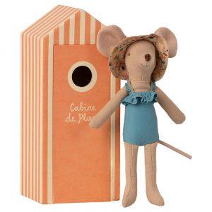 Mamá ratón en cabina de playa