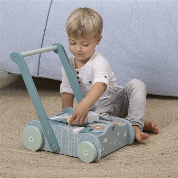 Andador azul de madera para bebés 3