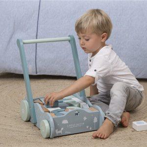 Andador azul de madera para bebés 4