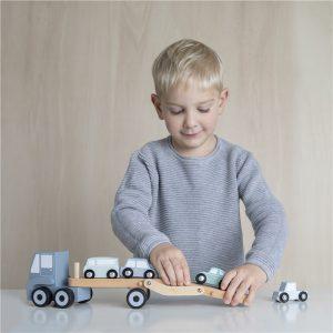 Camión de juguete transporte de coches 4