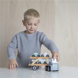 Camión de juguete transporte de coches 6
