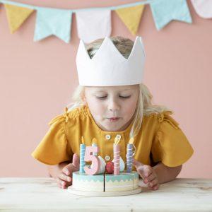 Pastel de cumpleaños de madera 3