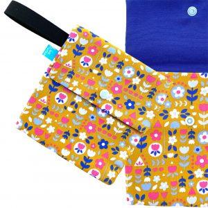 Funda portamascarillas flores de colores 2