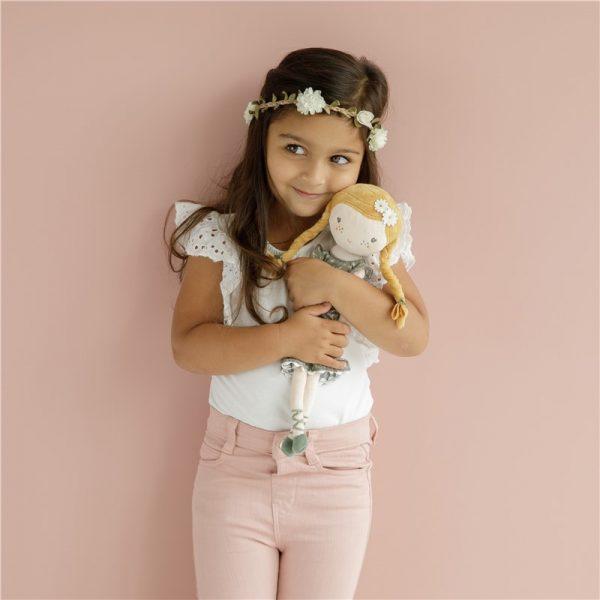 muñeca julia little dutch 5