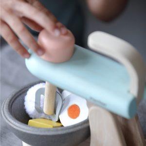 batidora de madera de juguete 5